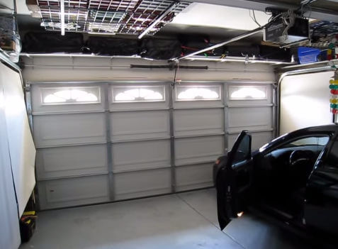 We repair metal and steel garage dors