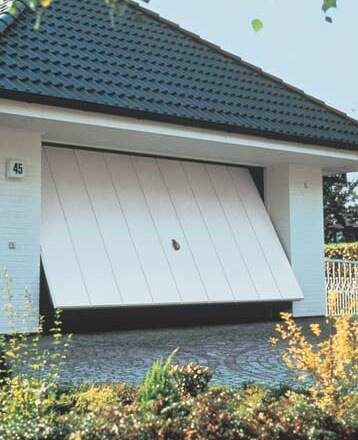 dangers-of-garage-doors-to-avoid
